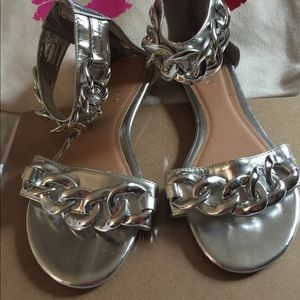 Bamboo silver Chain Link Sandal size 8
